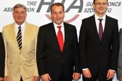 Berényi János (HITA elnöke), Matej Zavrl (HTA elnöke), Szijjártó Péter (kijelölt külgazdasági és külügyminiszter)