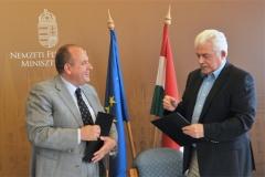 Péter Morenth (Executive Chairman of HTA), János Fónagy (Parliamentary State Secretary)